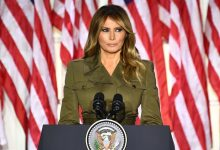 Photo of Melania Trump reconnaît le bilan douloureux de la pandémie alors que la convention de son mari l'ignore