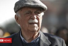 Photo of George Bizos: un avocat anti-apartheid qui a défendu Mandela décède à 92 ans