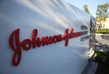 Photo of Johnson & Johnson suspend l'essai du vaccin COVID-19 alors qu'un participant tombe malade